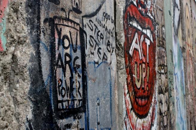 Newseum - Berlin Wall art